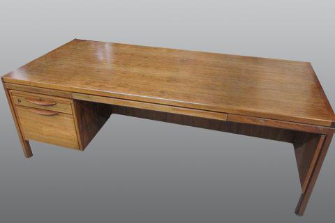 Desk-refinish-commercial_4