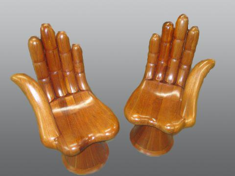 Hands_chair-refinishing-residential